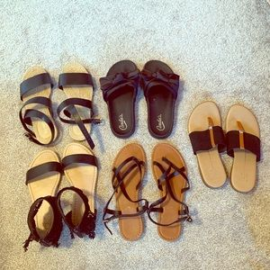 5 pair of black sandals!  Size 7
